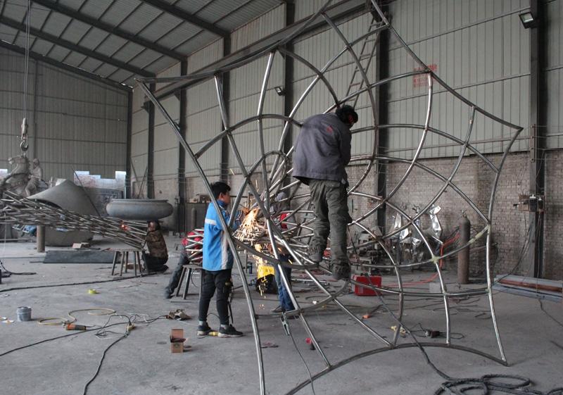 雍锦雕塑--不锈钢雕塑加工基地